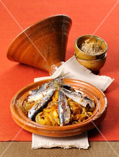 Braised sardines with onions