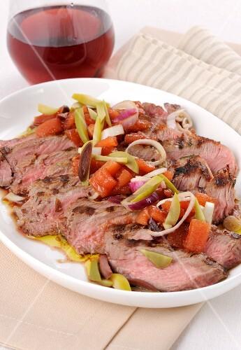 Roast beef with wine vegetables