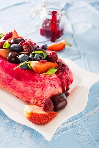 Frozen yoghurt with berries