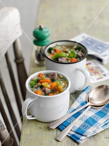 Scotch Broth (Gemüsesuppe mit Lamm, Schottland)