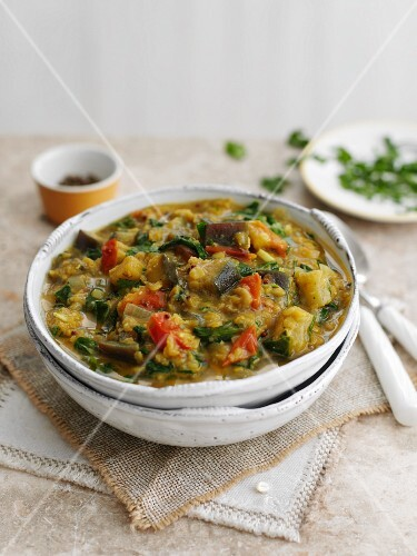 Spicy lentils with aubergines and spinach