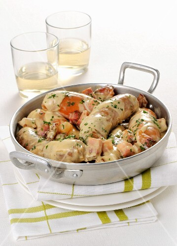 Fried sausages and vegetables with a mustard sauce