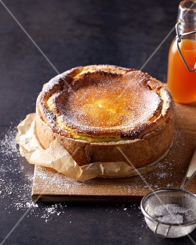 Cheesecake with icing sugar
