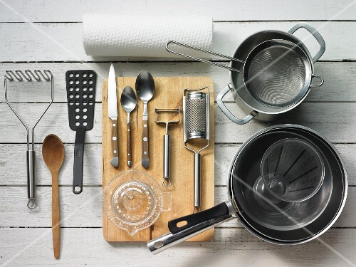 Kitchen utensils for making fish and mashed potatoes