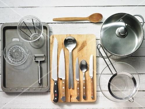 Kitchen utensils for making vegetable salad with crostini