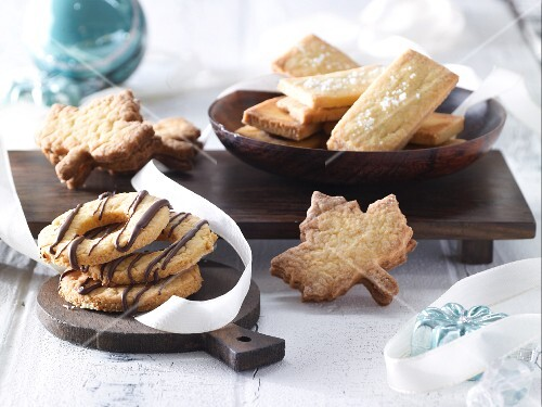 Various biscuits made with oranges, nougat and coconut