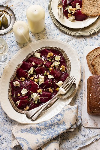 Beetroot salad with Gorgonzola, walnuts, cress and capers