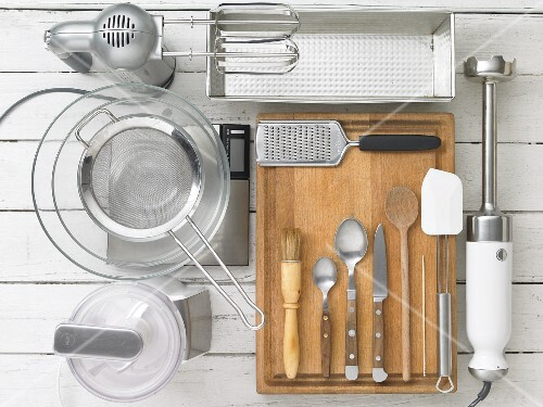 Kitchen utensils for making bread