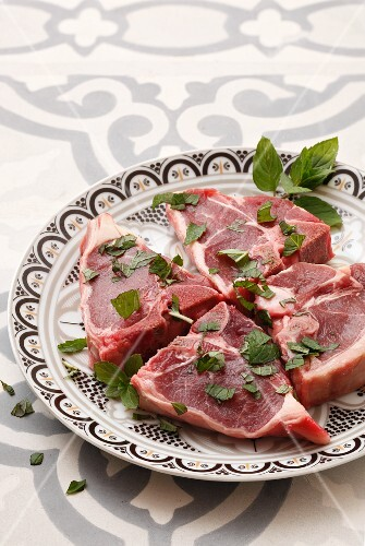 Lamb T-bone steaks with peppermint