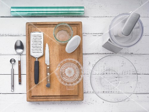 Kitchen utensils for making spreads