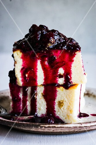 Baked cottage cheese pudding with blueberry jam