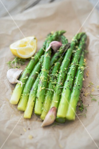 Asparagus salad with a lemon vinaigrette