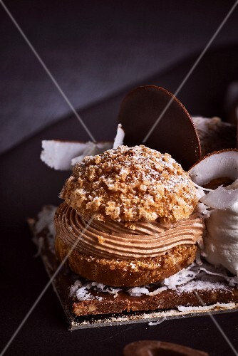An elaborately decorated chocolate cake (close-up)