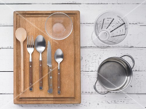 Kitchen utensils for making barley porridge