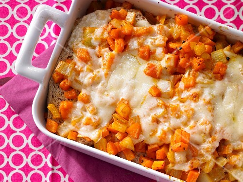 Savoury vegetable bake with bread