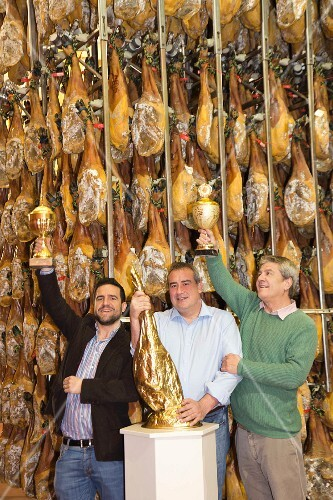The brother Hernandez and Ricardo Sanchez: producers of Pata-Negra ham (Castile, Spain)