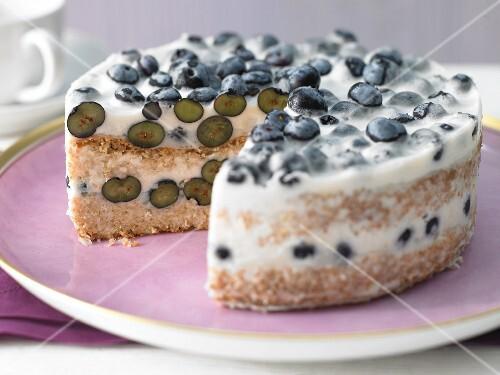 Mini blueberry cake with buttermilk cream