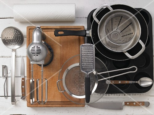 Kitchen utensils for making muffins