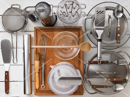 Kitchen utensils for preparing meatloaf