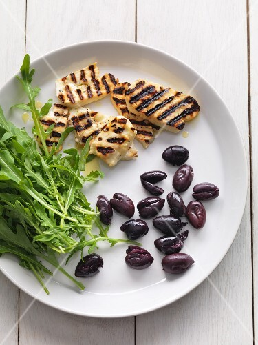 Grilled cheese, black olives and rocket