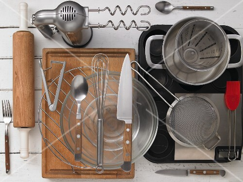 Kitchen utensils for preparing tartlets