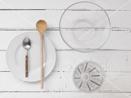 Kitchen utensils for preparing sourdough