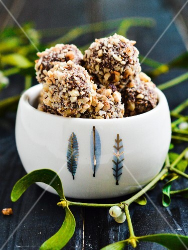 Hazelnut & Nutella balls rolled in chopped hazelnuts.