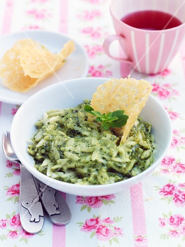 Orzo pasta with pesto and Parmesan crisps