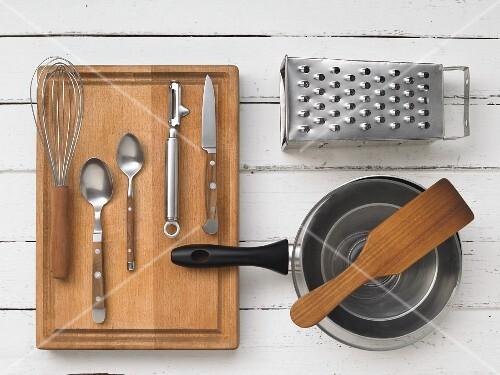 Kitchen utensils for preparing hash browns