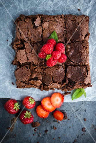Brownies with fresh berries (seen from above)