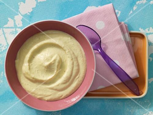 Couscous purée with peach