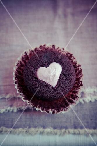 Herz Muffin Zum Valentinstag Bilder Kaufen 11985685 Stockfood