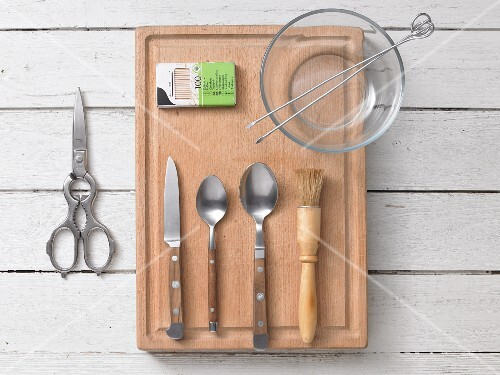 KItchen utensils for rosemary sardines