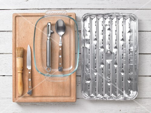Kitchen utensils for preparing fish fillets with curry and ginger