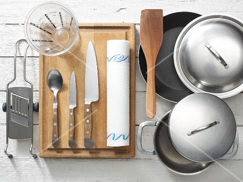 Kitchen utensils for preparing scallops with fennel and onion