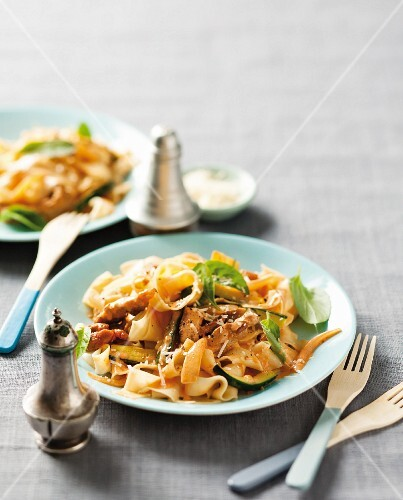 Tagliatelle with pan-fried pork