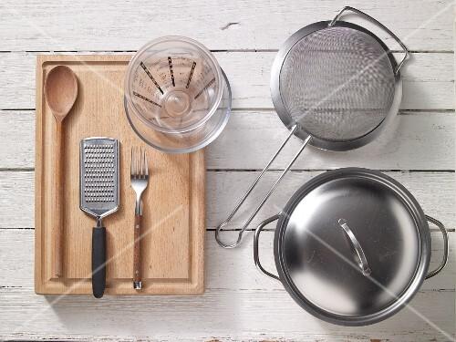 Kitchen utensils for preparing spaghetti