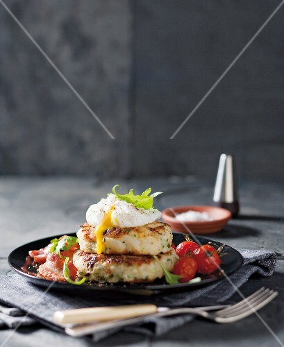 Bubble and squeak with cabbage, poached egg and cherry tomatoes