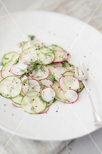 Cucumber & radish salad with dill (detox)