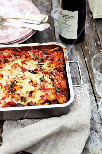 Vegetarian lasagne with tomatoes