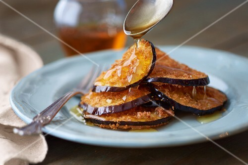 Fried aubergine with honey