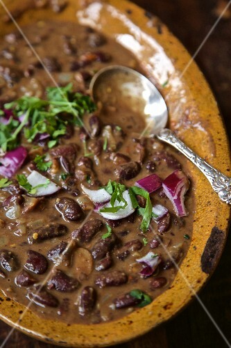 Kidney bean stew with red onions (Kenya, Africa)
