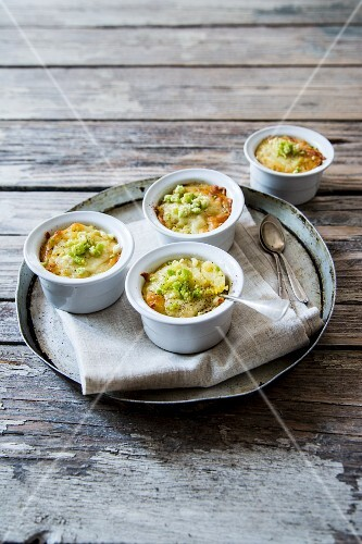 Crushed potatoes with broccoli and cheese