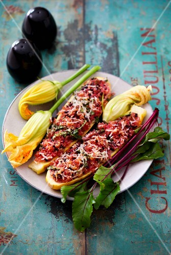 Courgettes stuffed with quinoa