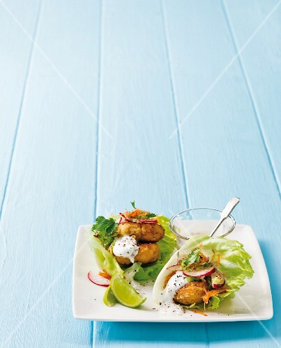 Chickpea patties with smoked mackerel