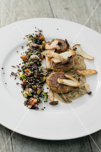 Tofu & nut patties with king trumpet mushroom sauce and black quinoa