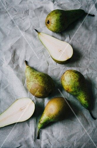 Comice pears, whole and halved
