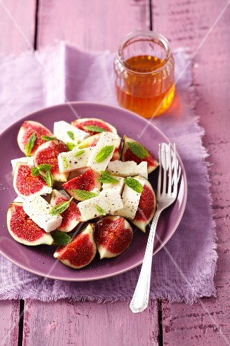 Figs with feta, mint and honey