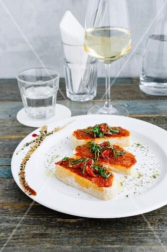 Bruschetta with dried tomatoes