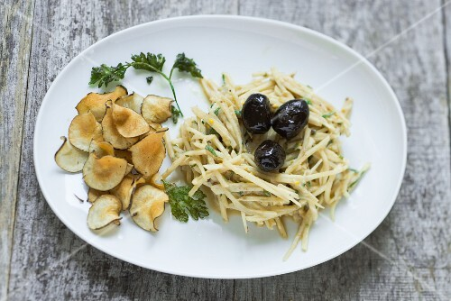 Jerusalem artichoke salad with yoghurt and Jerusalem artichoke chips